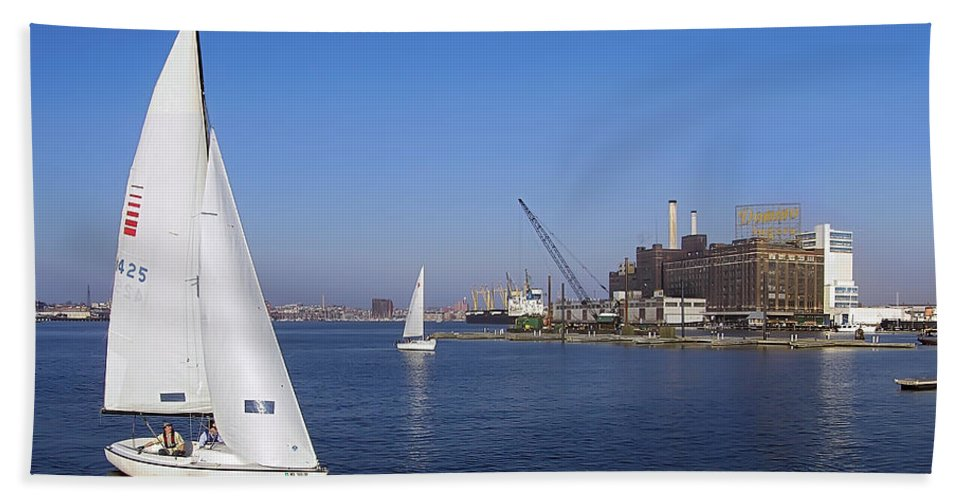 2d Beach Towel featuring the photograph Locust Pt Sailing by Brian Wallace