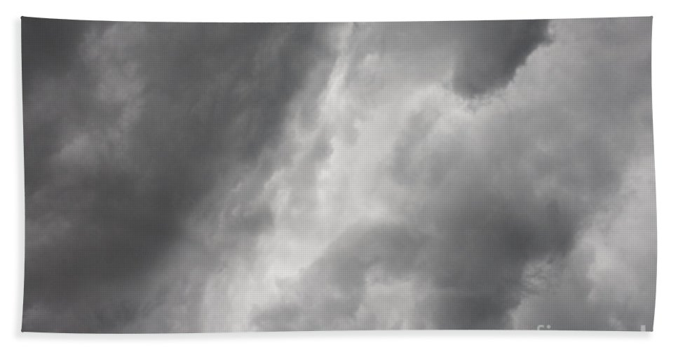 Florida Beach Towel featuring the photograph Looming Storm by Diane Macdonald