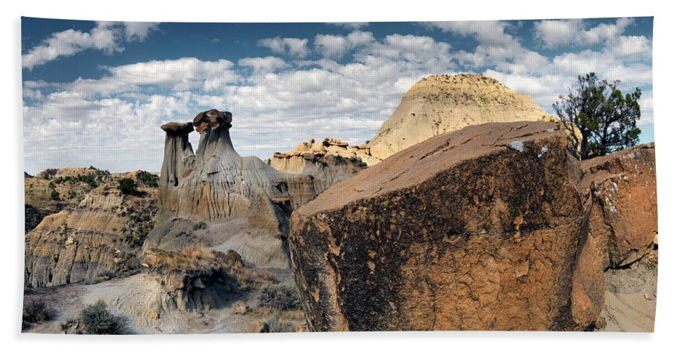 Bad Lands Beach Towel featuring the photograph Makoshika State Park 6 by Leland D Howard