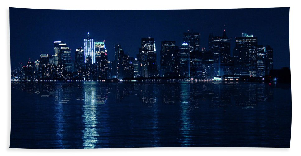 Mood Beach Towel featuring the photograph Manhattan by Mark Ashkenazi