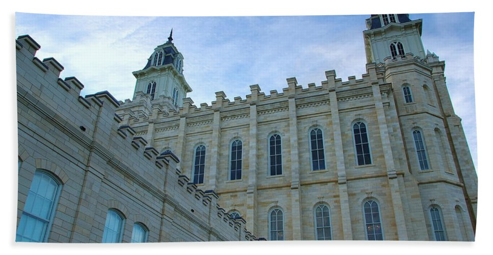 Manti Beach Towel featuring the photograph Manti Temple North by David Andersen
