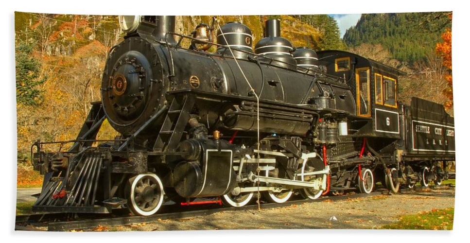 Newhalem Beach Towel featuring the photograph Marblemount Train by Adam Jewell