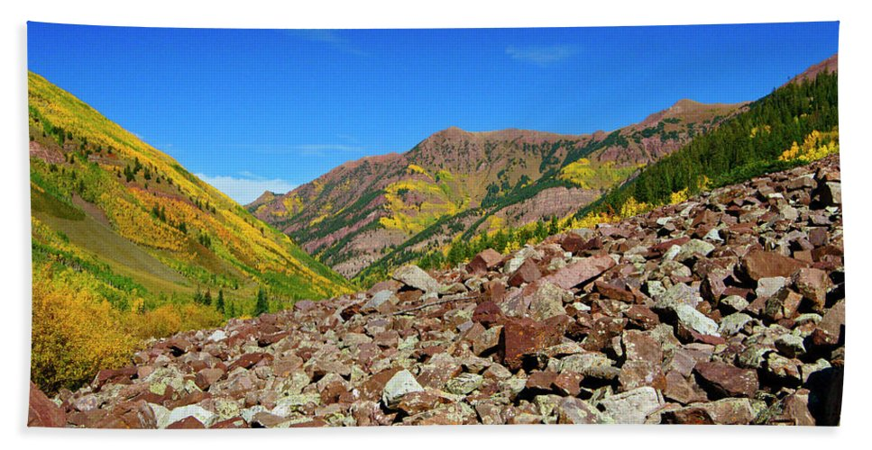 Colorado Beach Towel featuring the photograph Maroon Valley by Jeremy Rhoades