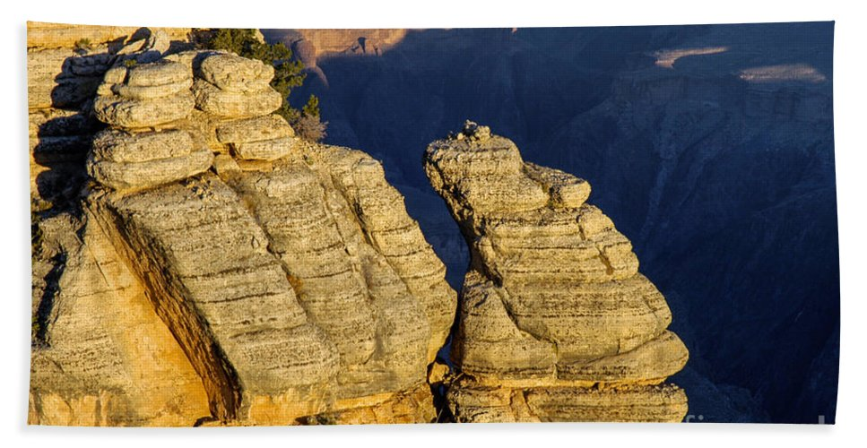Grand Canyon National Park Arizona Parks Mather Point South Rim Canyons Rock Formations Rock Formation Sunrise Sunrises Landscape Landscapes Landmark Landmarks Beach Towel featuring the photograph Mather Point by Bob Phillips