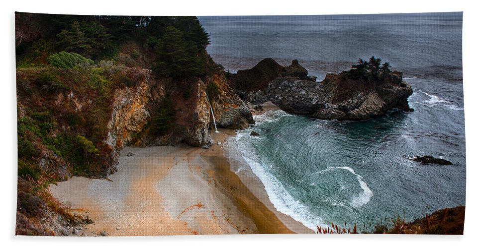 Mcway Falls Beach Towel featuring the photograph Mcway Falls by Wim Slootweg