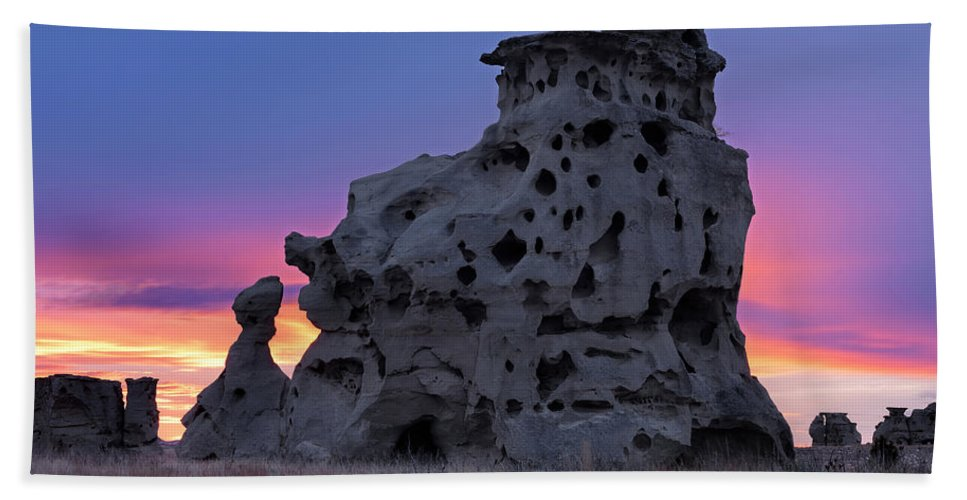 Beauty Beach Towel featuring the photograph Medicine Rocks Sunset by Leland D Howard