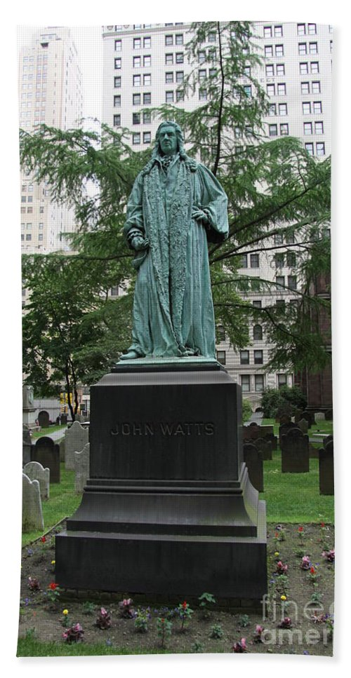 Johne Watts Sculpture Beach Towel featuring the photograph Monument John Watts Trinity Churchyard New York by Christiane Schulze Art And Photography