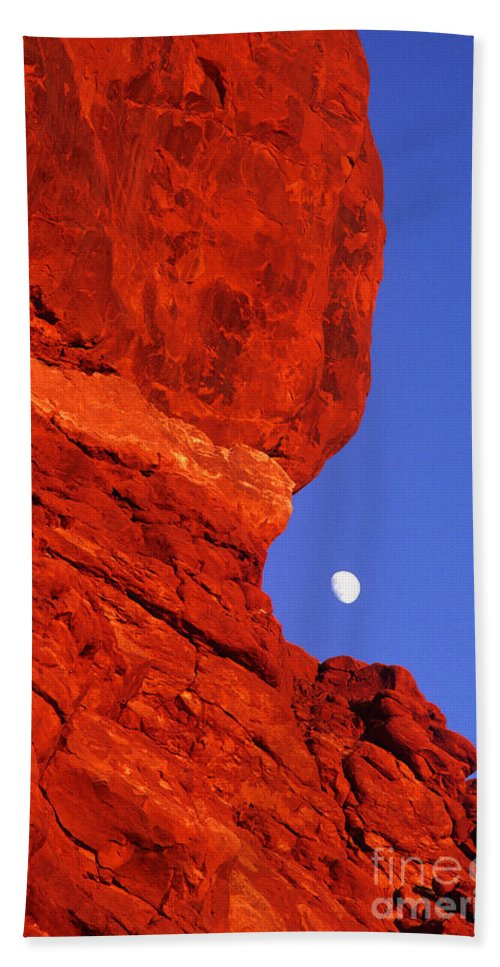 North America Beach Towel featuring the photograph Moonrise Balanced Rock Arches National Park Utah by Dave Welling