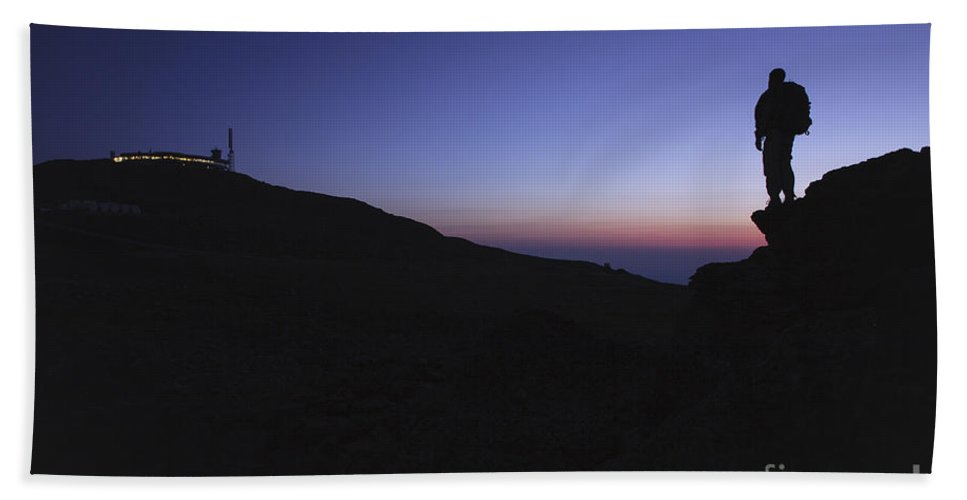 Mount Washington Beach Towel featuring the photograph Mount Washington - New Hampshire Usa by Erin Paul Donovan