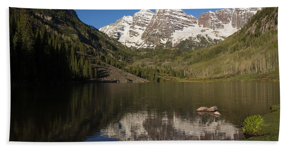 Maroon Beach Towel featuring the photograph Mountains Co Maroon Bells 8 by John Brueske