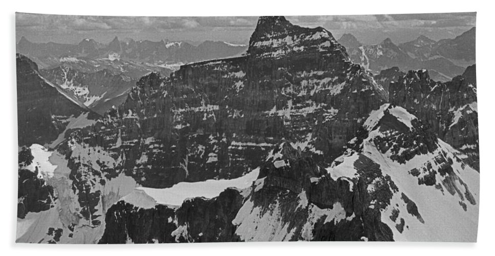 Mt. Hungabee Beach Towel featuring the photograph T-703512-bw-mt. Hungabee From Summit Of Mt. Lefroy-bw by Ed Cooper Photography