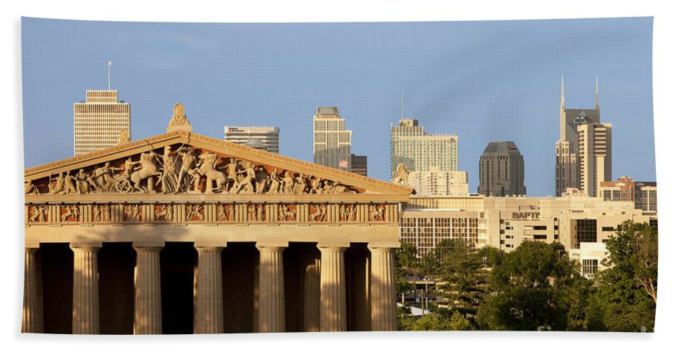 Parthenon Replica Beach Towel featuring the photograph Nashville Pantheon by Brian Jannsen