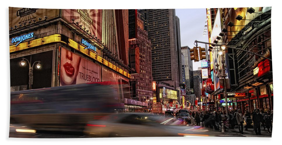 New York City Beach Towel featuring the photograph New York City Rush by Donna Blackhall