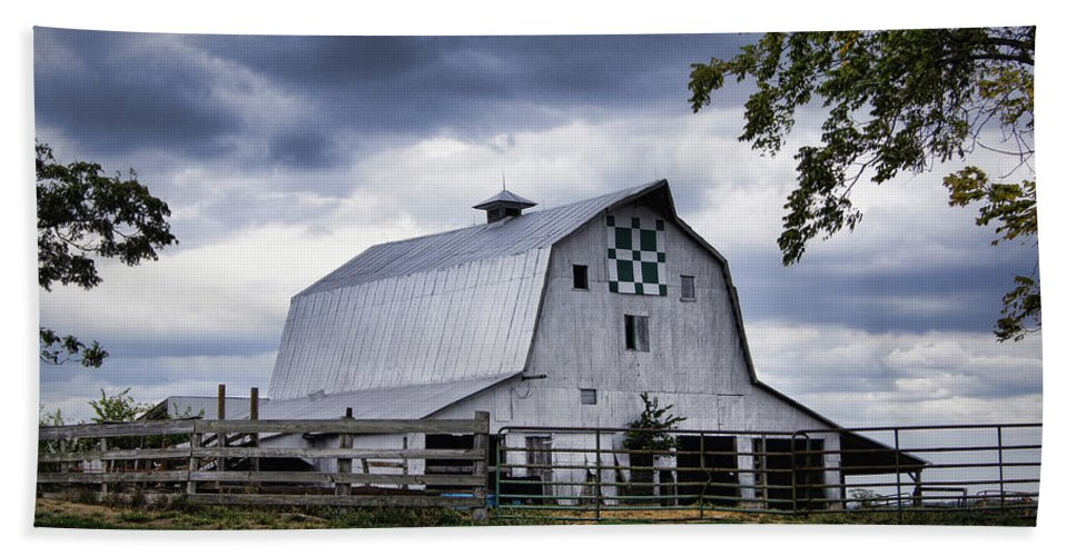 Barn Beach Towel featuring the photograph Nine Patch Quilt Barn by Cricket Hackmann