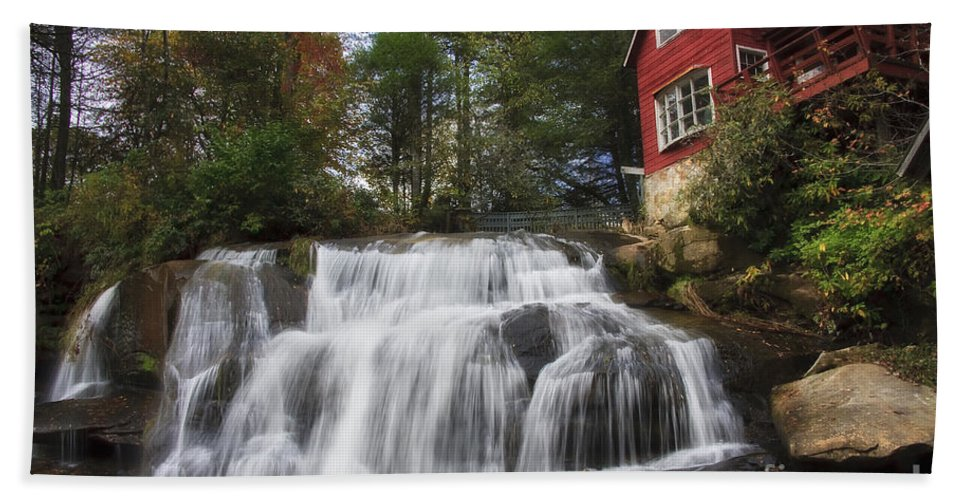 Mill Shoals Falls Beach Towel featuring the photograph North Carolina Waterfall by Jill Lang