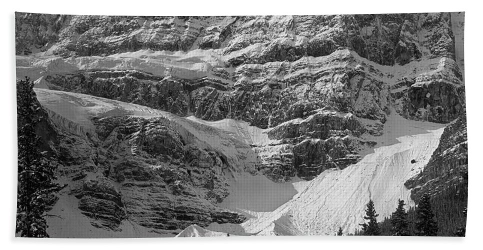 North Side Beach Towel featuring the photograph 1m3536-bw-north Side Crowfoot Mountain by Ed Cooper Photography