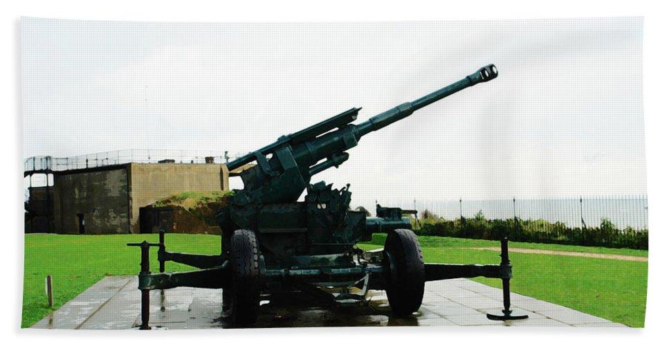 Gun Beach Towel featuring the digital art Oil Painting - Anti Aircraft Gun At Dover Castle by Ashish Agarwal