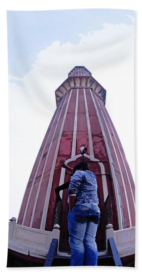 Jama Masjid Beach Towel featuring the digital art Oil Painting - Minaret Inside Jama Masjid by Ashish Agarwal