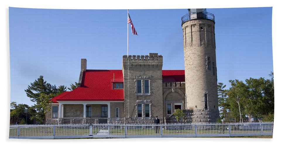 Light Beach Towel featuring the photograph Old Mackinac Mi Lighthouse 19 by John Brueske