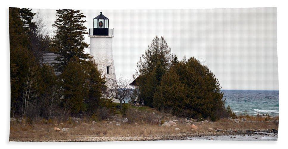 Presque Isle Beach Towel featuring the photograph Old Presque Isle Lighthouse by Linda Kerkau