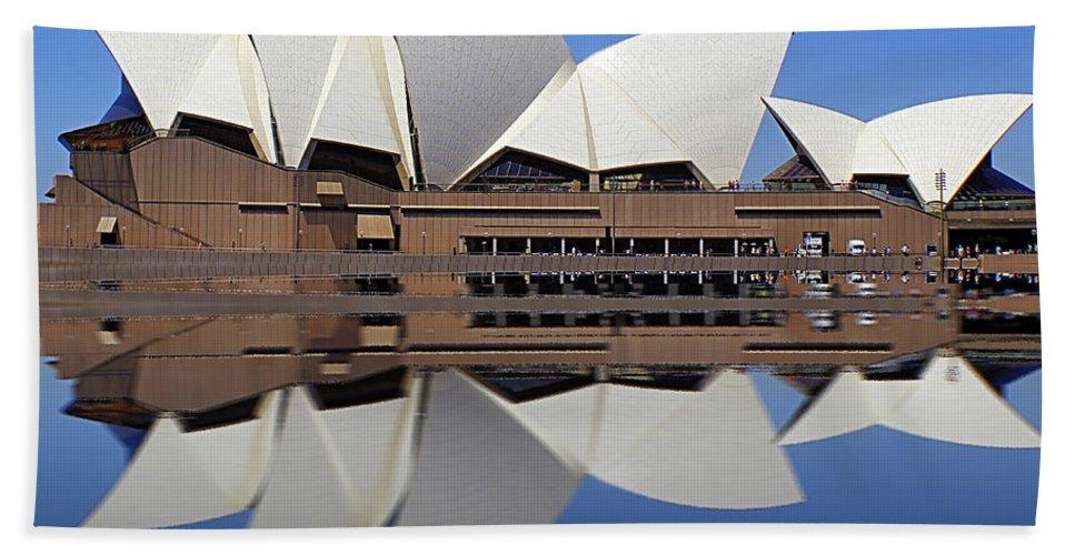 Australia Beach Towel featuring the photograph Opera House 6 by Ben Yassa