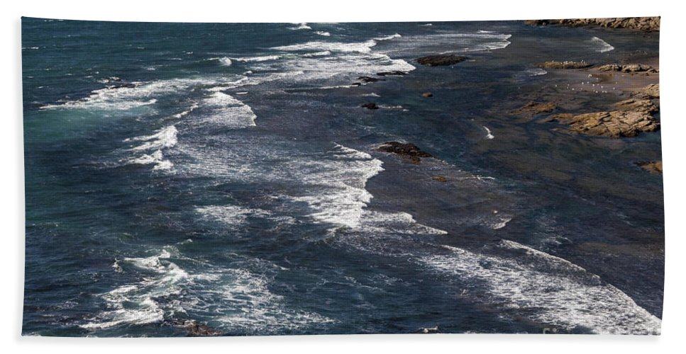 Oregon Coast Coastline Rock Rocks Wave Waves Water Pacific Ocean Oceans Sea Seas Coastlines Coasts Shore Shores Shoreline Shorelines Seascape Seascapes Beach Towel featuring the photograph Oregon Coast by Bob Phillips