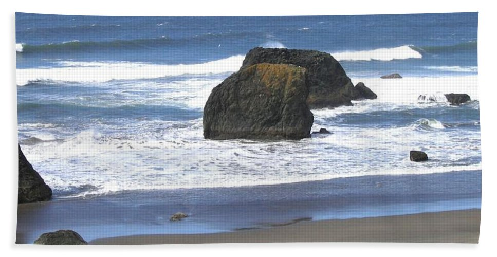Panorama Beach Towel featuring the photograph Oregon Coast Panorama by Will Borden