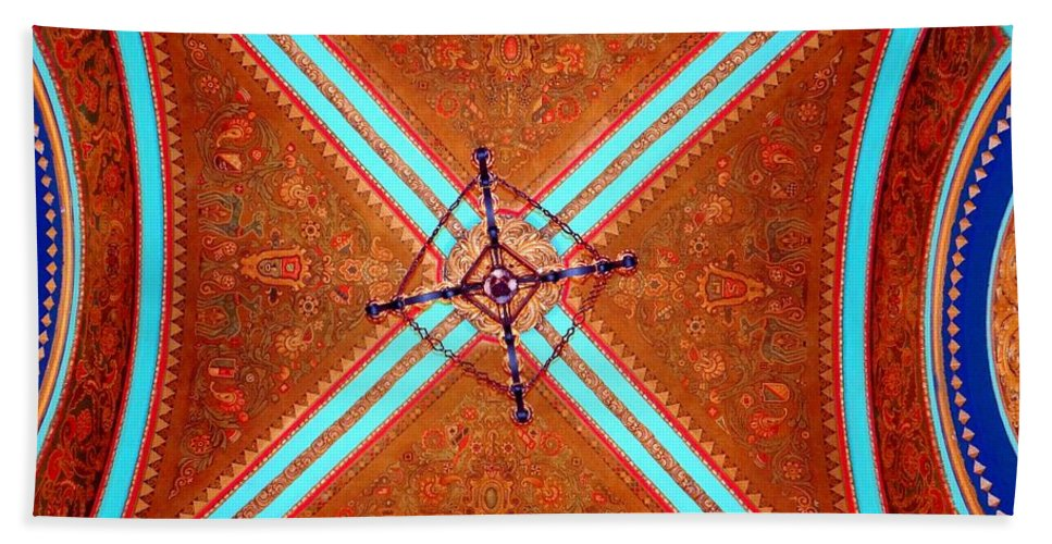 Movie Theater Beach Towel featuring the photograph Ornate Ceiling by Ed Weidman