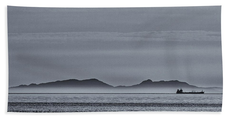 Minch Beach Towel featuring the photograph Outer Hebrides by David Pringle