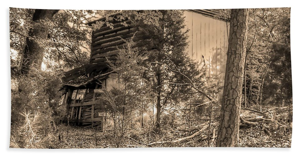 Barn Beach Towel featuring the photograph Overgrown Barn by Aaron Shortt