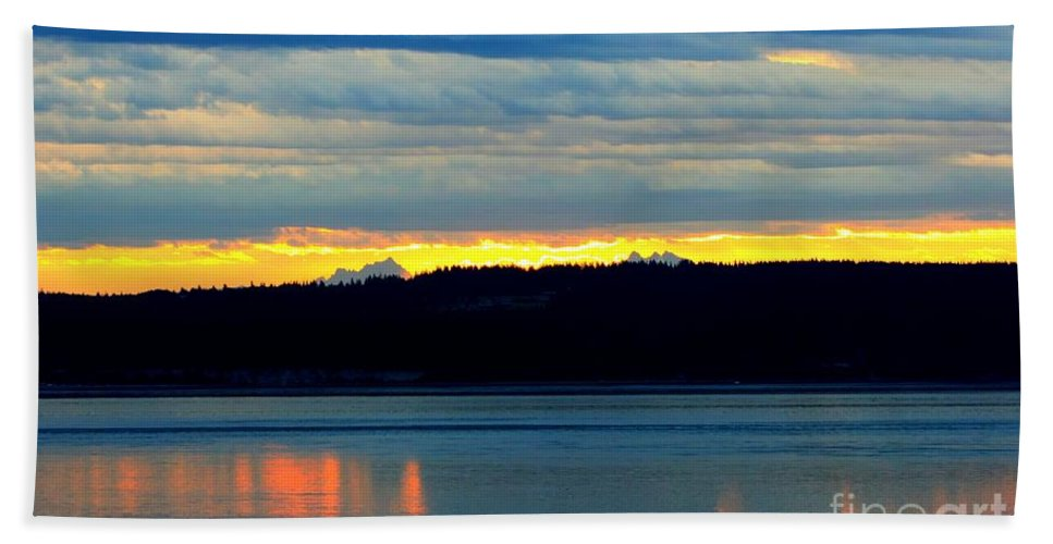 Pacific Beach Towel featuring the photograph Pacific Northwest Morning by Tap On Photo