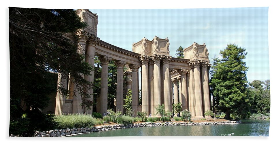 Palace Of Fine Arts Beach Towel featuring the photograph Palace Of Fine Arts Colonnades by Christiane Schulze Art And Photography