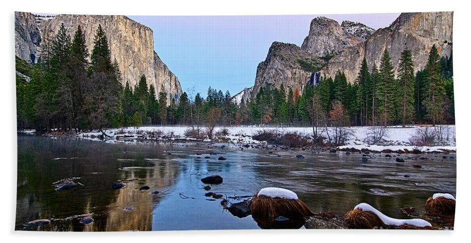 Yosemite Beach Towel featuring the photograph Pastel - Sunset View Of Yosemite National Park. by Jamie Pham