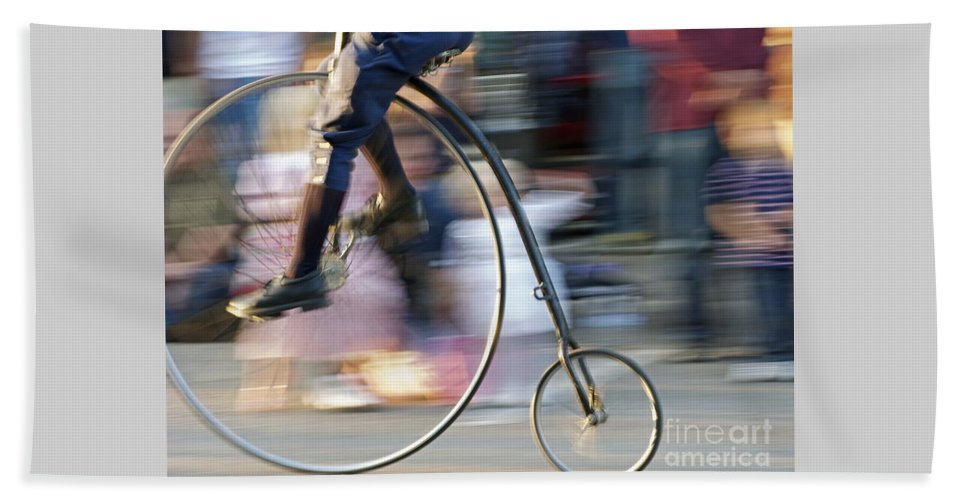 Bicycle Beach Towel featuring the photograph Pedaling Past by Ann Horn