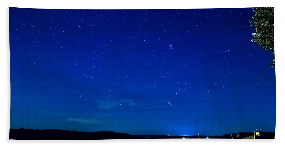 Perseid Beach Towel featuring the photograph Perseid Meteor by Charles Hite