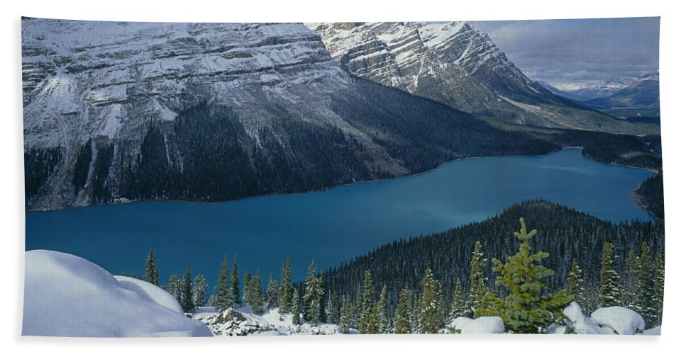 Peyto Lake Beach Towel featuring the photograph 1m3639-peyto Lake After Snowfall,canadian Rockies by Ed Cooper Photography