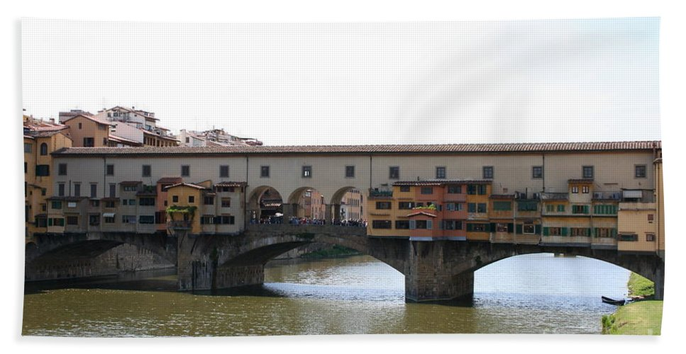 Ponte Vecchio Beach Towel featuring the photograph Ponte Vecchio I by Christiane Schulze Art And Photography