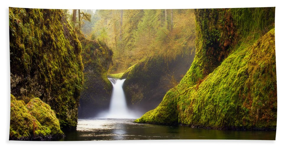 Lush Beach Towel featuring the photograph Punchbowl Pano by Darren White