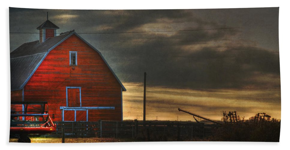 Red Barn Beach Towel featuring the photograph Red Barn At Dawn by Lisa Knechtel