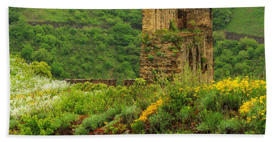 Reinfels Beach Towel featuring the photograph Reinfels Castle Ruins And Wildflowers In The Rhine River Valley 1 by Greg Matchick