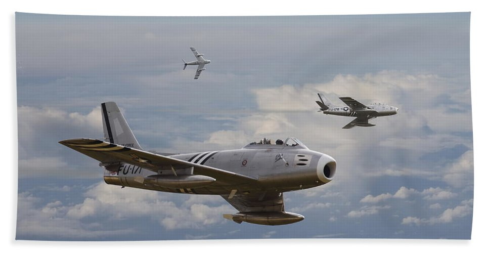 Aircraft Beach Towel featuring the photograph 'rolling Home' by Pat Speirs