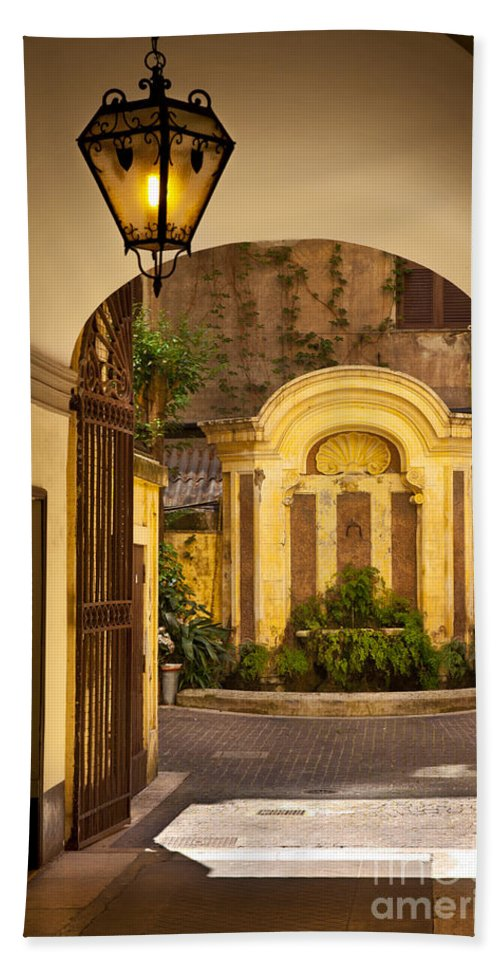 Inner Courtyard Beach Towel featuring the photograph Rome Entry by Brian Jannsen
