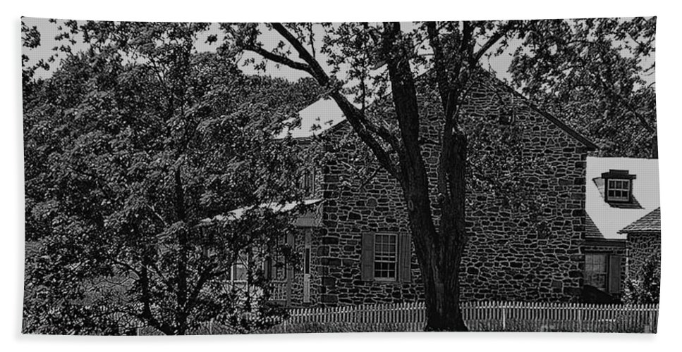 Gettysburg Beach Towel featuring the photograph Rose Farm House-gettysburg by Tommy Anderson