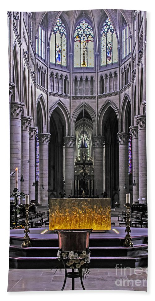 Travel Beach Towel featuring the photograph Rouen Cathedral by Elvis Vaughn