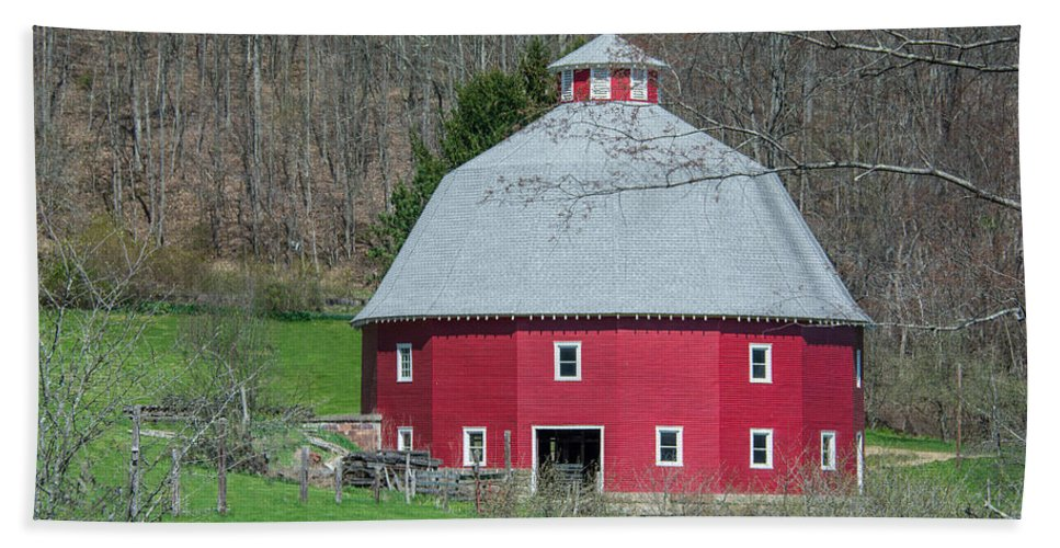 16-sided Barn Beach Towel featuring the photograph Round Barn by Guy Whiteley