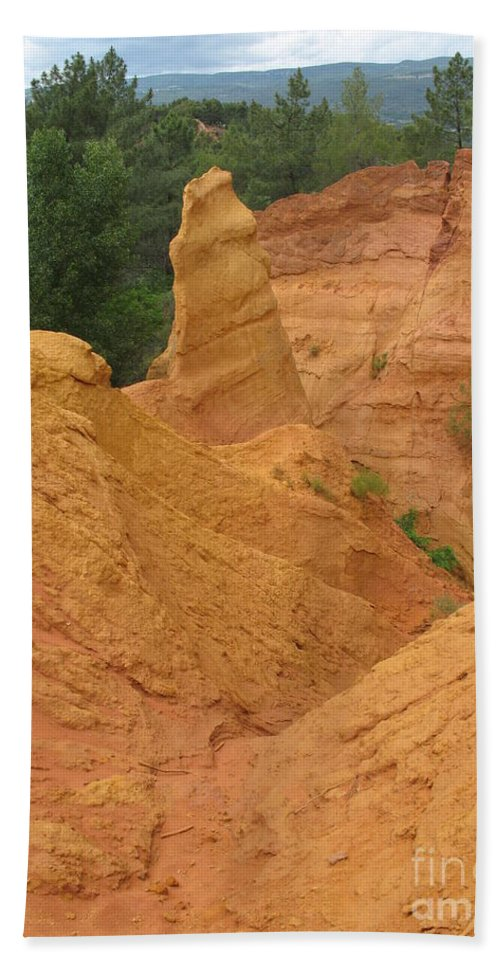 Red Rocks Beach Towel featuring the photograph Roussillon Ochres Pigments Rock by Christiane Schulze Art And Photography