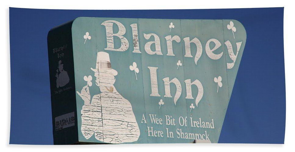 66 Beach Towel featuring the photograph Route 66 - Blarney Inn by Frank Romeo
