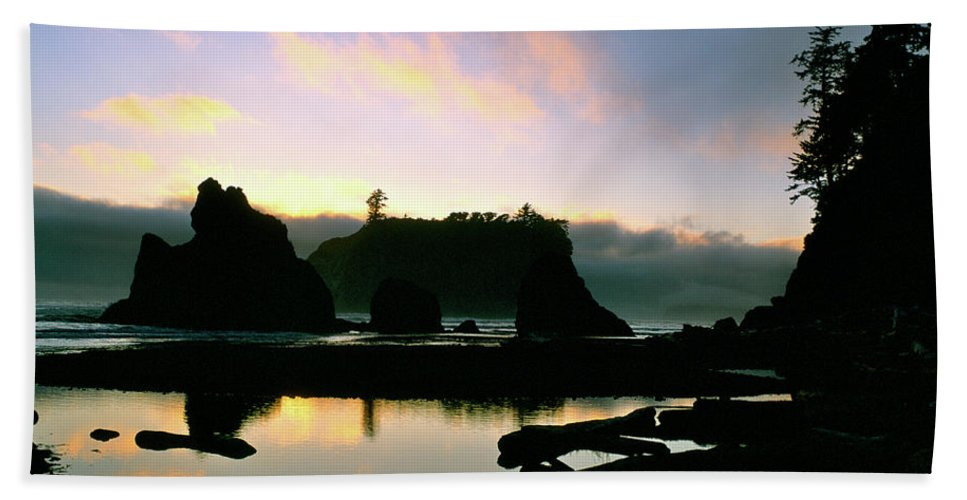 Sunset Beach Towel featuring the photograph Ruby Beach Sunset Olympic National Park by Ed Riche