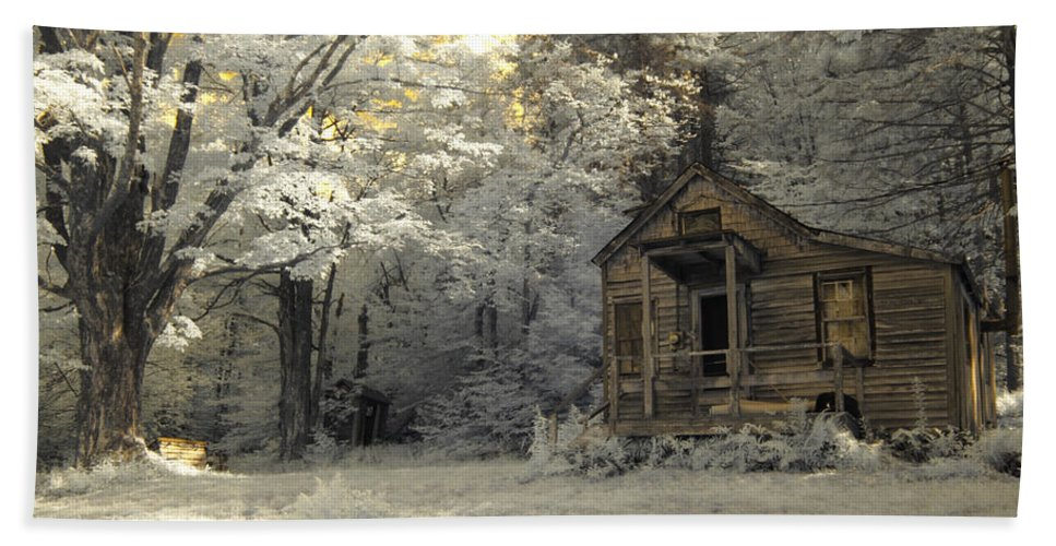 Cabin Beach Towel featuring the photograph Rustic Cabin by Luke Moore