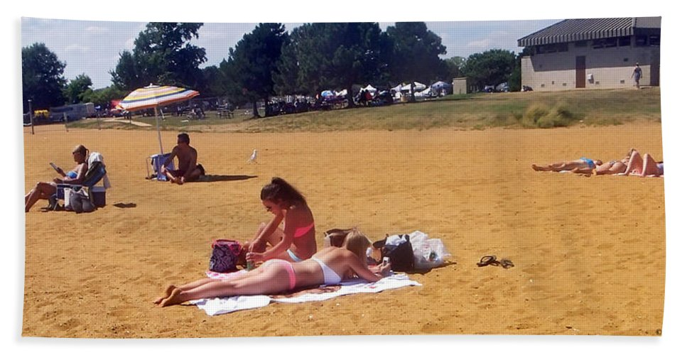 2d Beach Towel featuring the photograph Sandy Beach by Brian Wallace